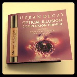 Urban Decay Optical Illusion primer - new sample